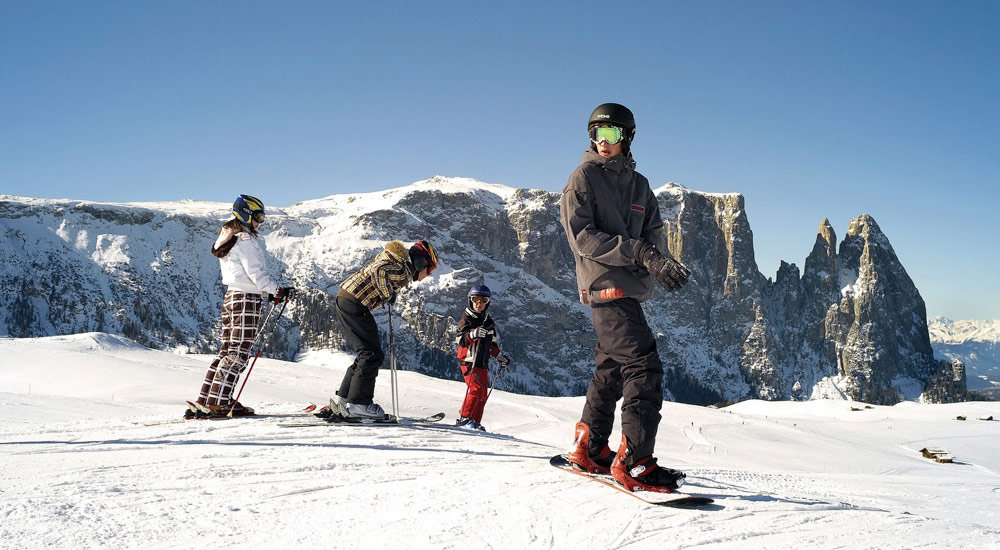 Winter family programme on the Alpe di Siusi