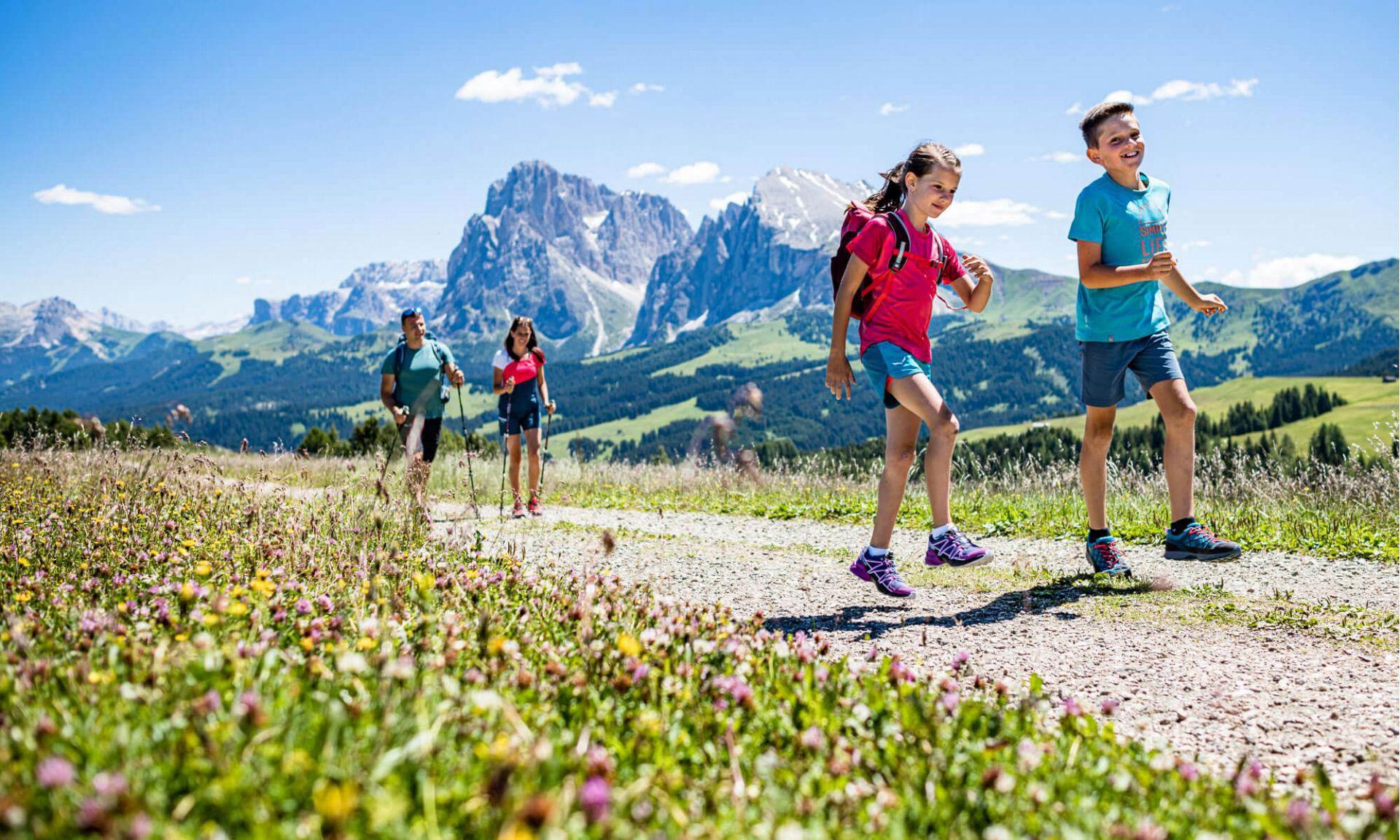 Vacanze escursionistiche nelle Dolomiti – Natura pura sull'Alpe di Siusi